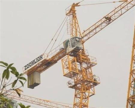 阐述塔吊位置的合理布置和高度平衡协调的重要性